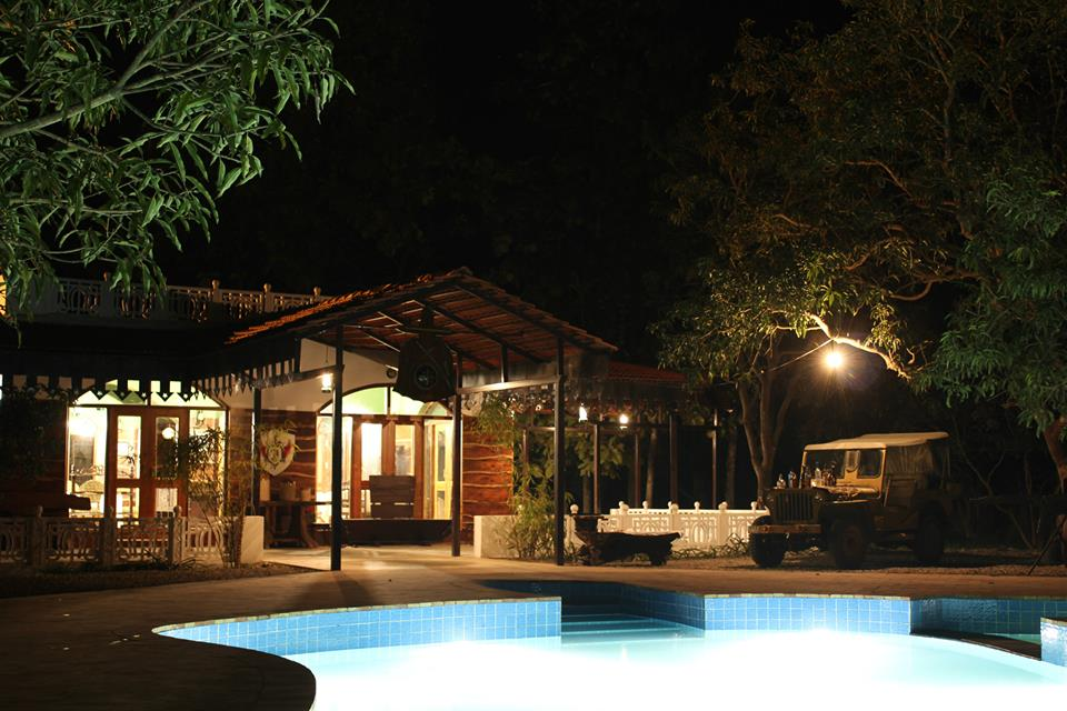 it is necessary to choose the right accommodation to get all kinds of facilities. Luxury Hotels In Dudhwa, Hotels In Dudhwa Tiger Reserve, Tharu Huts in Dudhwa National Park